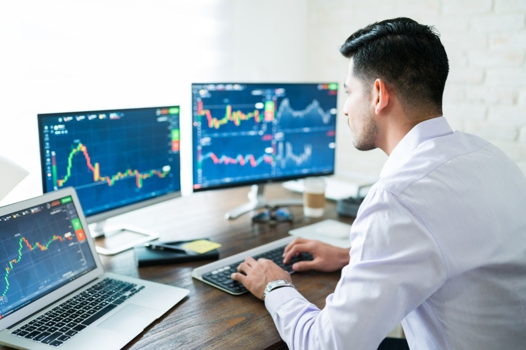 le guide d'achat des écrans de trading